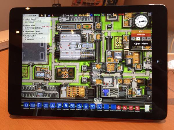 Prison Architect – управлять тюрьмой можно будет на планшетах