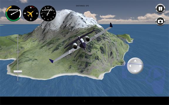 Airplane: самолет пролетает возле заснеженных гор